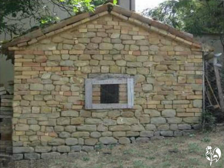 stone chicken coop 2